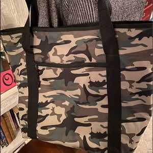 Large Canvas CAMO Tote ! Like new!